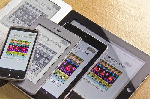 LCD ili E-mastilo: Šta je bolje za čitanje?